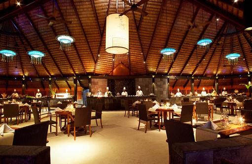 Einrichtung im Falhu Restaurant, Komandoo Island Resort, Maldives
