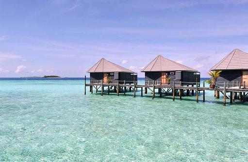 Jacuzzi Wasser Villen von außen, Komandoo Island Resort, Maldives