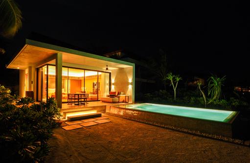 Beach Ville with Pool, Kuda Villingili Resort Maldives