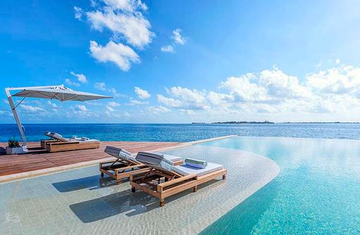 Infinity Pool, Wellnes and Beauty, Kudadoo Maldives Private Island