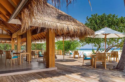 Olive Me Restaurant, Außenterrasse, Kudafushi Resort & Spa, Maldives