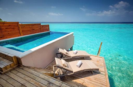Water Villa mit Pool, Sonnendeck mit Infinity Pool, Kudafushi Resort & Spa, Maldives