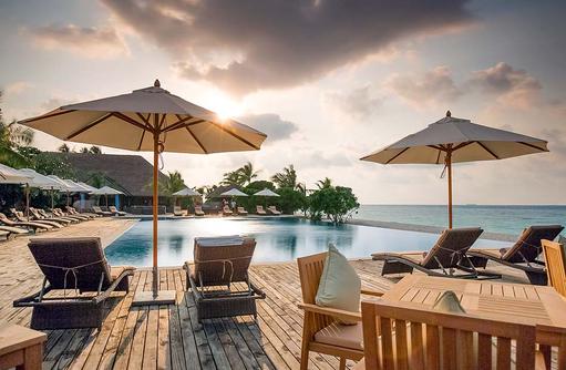 JUJU Pool & Bar, Sonnenterrasse, Kudafushi Resort & Spa, Maldives