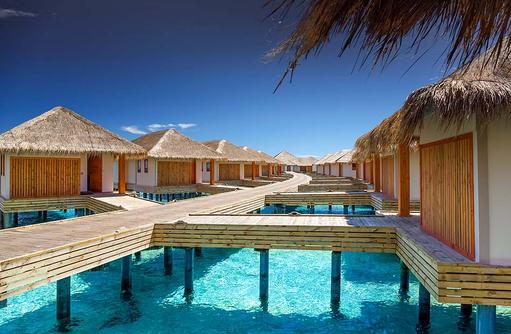 Steg zu den Water Villas, Kudafushi Resort & Spa, Maldives