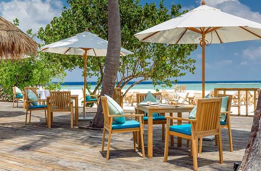 Olive Me Restaurant, Terrasse mit Blick auf das Meer, Kudafushi Resort & Spa, Maldives