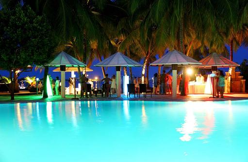 Poolparty, Nachtleben, Kurumba, Malediven