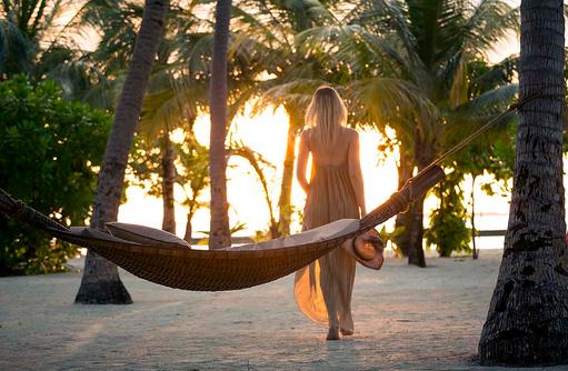 Hängematte im Sonnenlicht, Kurumba, Malediven