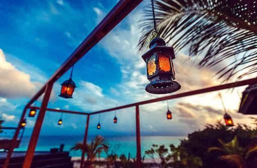 Restaurant Tamarind, Laternen, Lily Beach Resort & SPA, Malediven
