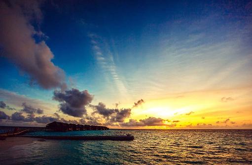 Sonnenuntergang, Wasser Villen, Lily Beach Resort & SPA, Malediven