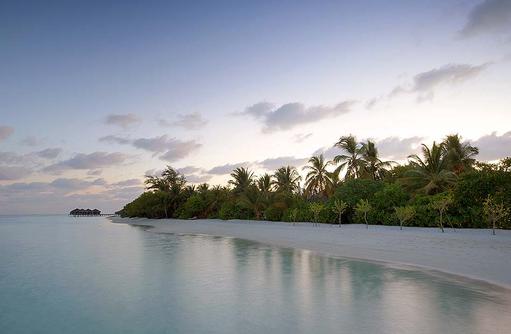 Abenddämmerung über dem Inselparadies I LUX South Ari Atoll