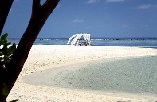 romantischer Lunch am Strand, Zeit für Zweisamkeit I LUX South Ari Atoll