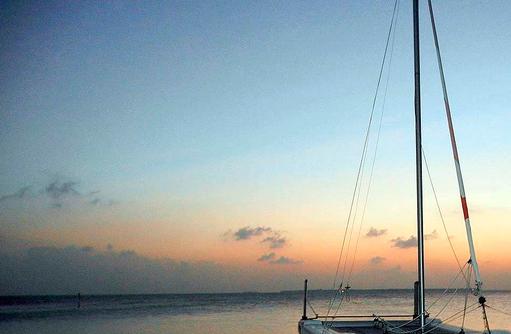 Sunset Cruise mit dem Katamaran I Makunudu Island Resort