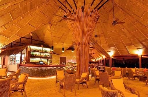 Abends in der Sand Bar I Makunudu Island Resort