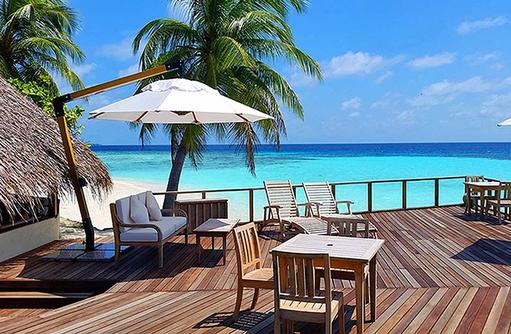 Terrasse vom Restaurant I Makunudu Island Resort