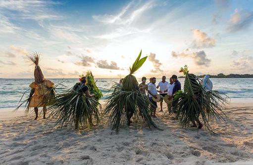 Tanz am Strand, Malahini Kuda Bandos, Malediven