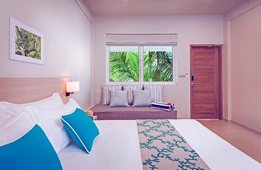 Garden Room, Bett, Daybed, Malahini Kuda Bandos, Malediven