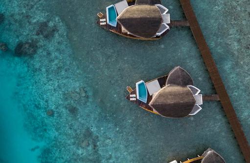 Luftaufnahme Overwater Villas, JW Marriott Maldives - Kaashi & Rum Baan