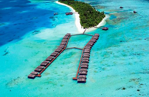 Wasservillen von oben, Medhufushi Island Resort, Maldives