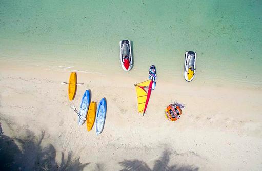 Wassersportequipment, Medhufushi Island Resort, Maldives