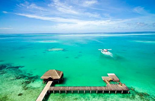 Ankunft des Wasserflugzeugs, Medhufushi Island Resort, Maldives