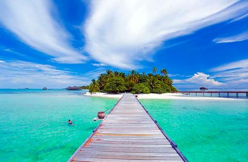 Blick über den Steg, Medhufushi Island Resort, Maldives