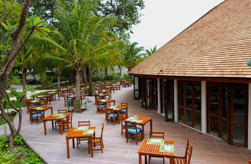 große Terrasse, Farivalhu Buffet Restaurant, Meeru Island Resort