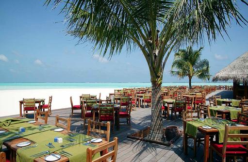 große Terrasse, Maalan Buffet Restaurant, Meeru Island Resort