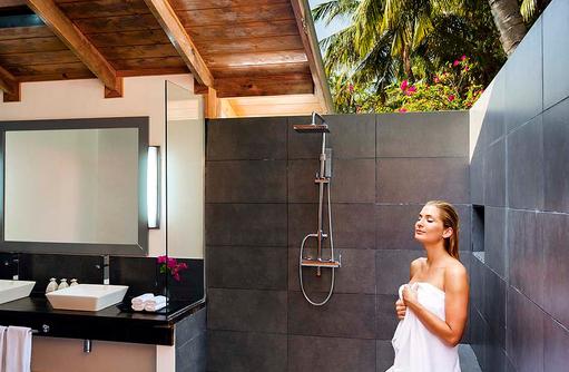 Beach Villa, halboffenes Badezimmer, Meeru Island Resort