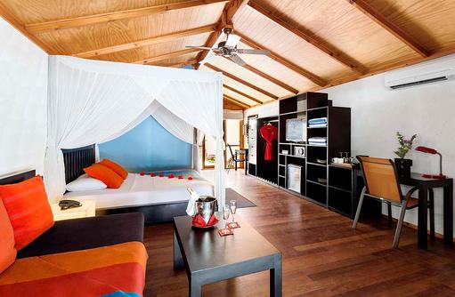 Jacuzzi Beach Villa, Schlafen, Baldachin, Wohnen, Meeru Island Resort