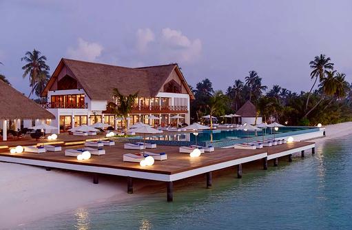Hauptpool, Restaurant, Mercure Maldives Kooddoo Resort