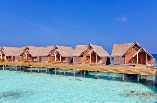 Steg zu den Water Pool Villen, Milaidhoo Island, Maledives