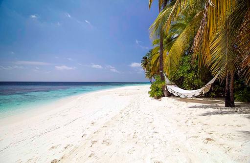 Der perfekte Platz, Hängematte am Strand, Mirihi Island Resort, Malediven