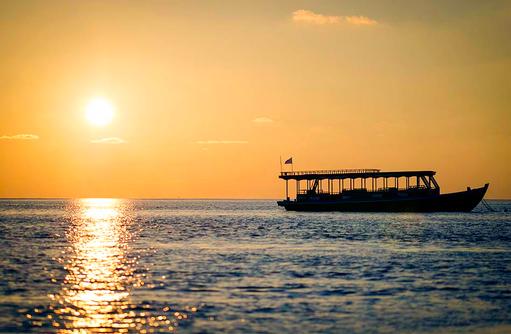 Schifffahrt im Sonnenuntergang, Mirihi Island Resort, Malediven