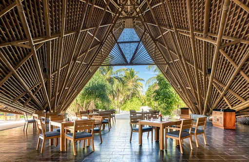 Restaurant Pavillon aus Bambus, Mövenpick Resort & Spa Kuredhivaru