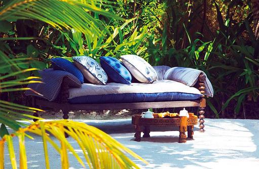 Coconut Grove, Naladhu Private Island Maldives