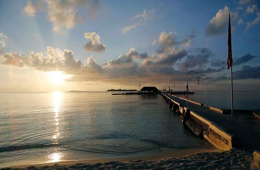 Ankunftssteg, Sonnenaufgang,Nika Island Resort & Spa