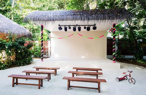 Explorers, Kinderclub, Bühne, Aufführung, Niyama Private Islands Maldives