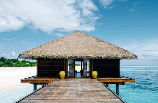 Ankuft am Steg, Noku Maldives