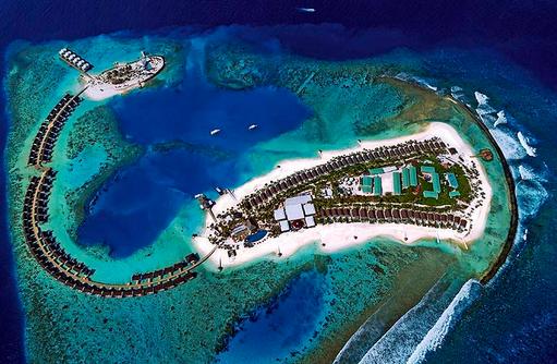 Drohnenaufnahme der Insel, OBLU SELECT at Sangeli