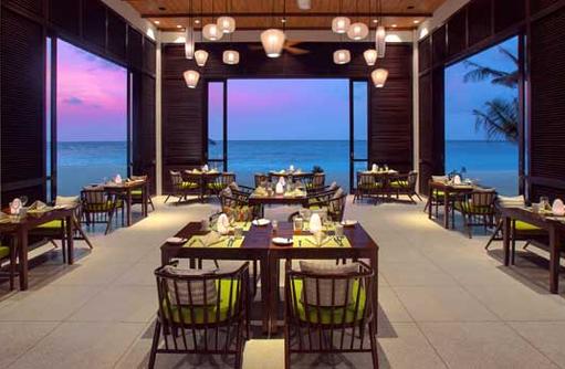Restaurant, OBLU SELECT at Sangeli