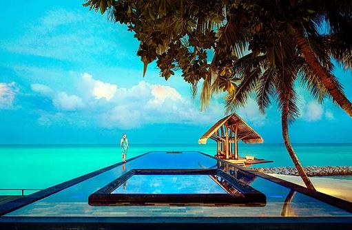 Lap Pool am Abend, One & Only Reethi Rah, Maldives