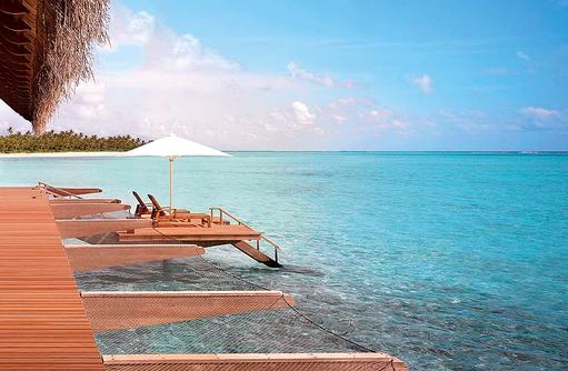 Water Villa, Sonnendeck, Hängematte, One & Only Reethi Rah, Maldives