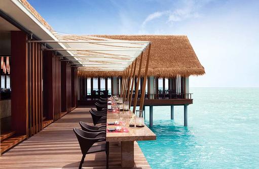 Tapasake Restaurant, Terrasse mit Blick auf das Meer, One & Only Reethi Rah, Maldives