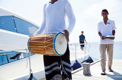 Herzlich Willkommen, Willkommenszeremonie, Outrigger Konotta Maldives Resort
