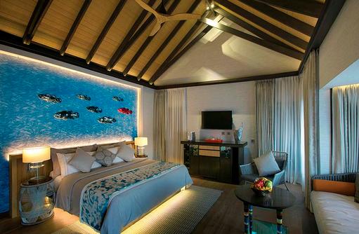 Wind Villa mit Pool, Schlafbereich, OZEN by Atmosphere at Maadhoo, Maldives