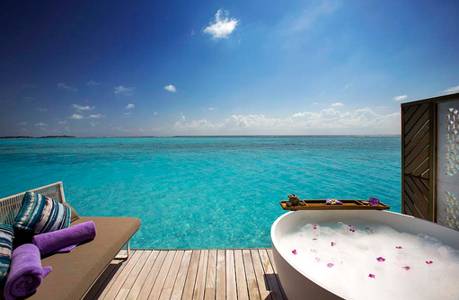 Jacuzzi, Terrasse, Spabereich, OZEN by Atmosphere at Maadhoo, Maldives