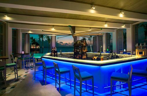 Joie de Vivre, Poolbar, Innen I OZEN by Atmosphere at Maadhoo