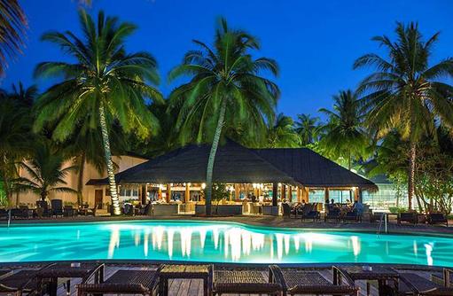 Pool bei Nacht I Palm Beach Island