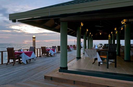 Restaurant, Terrasse, Paradise Island Resort & Spa, Maldives