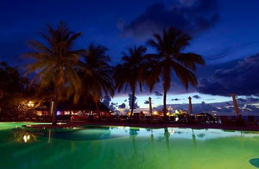 Swimming Pool bei Nacht, Paradise Island Resort & Spa, Maldives